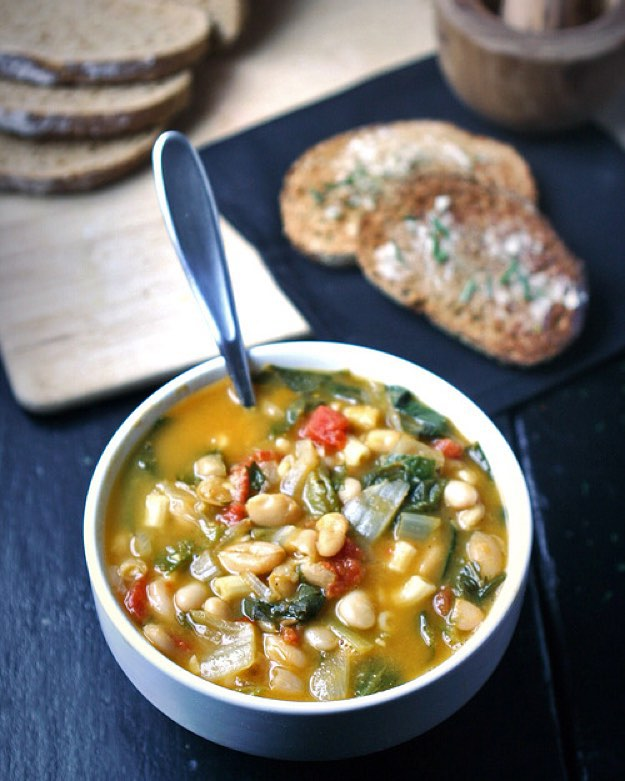 white bean and romaine soup